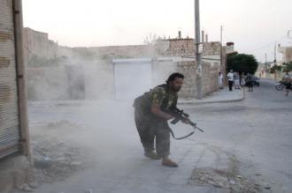 Facciones opositoras toman el control de la academia militar al sur de Alepo