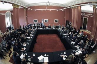 """Gobernadores destacan el acuerdo y afirman que es una """"señal de diálogo"""""""