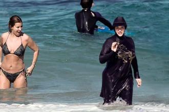 La Justicia de Niza suspendió el decreto contra el burkini en Cannes