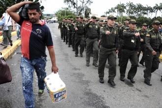 Más de 326.000 venezolanos cruzaron a Colombia desde la reapertura de la frontera