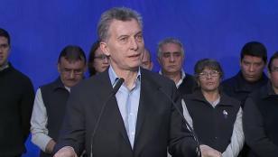 """Macri pidió que los empleados no pongan """"palos en la rueda"""" a las empresas"""