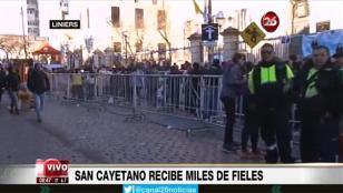 Miles de fieles pidieron trabajo a San Cayetano