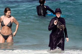 Otra ciudad francesa vetó el uso de burkini en sus playas por temas de seguridad