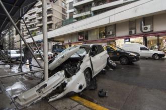 Un auto a contramano chocó a otros cuatro vehículos estacionados en Palermo