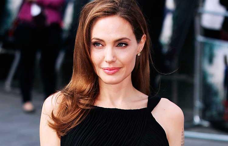 Angelina Jolie se prepara para su propio funeral ?