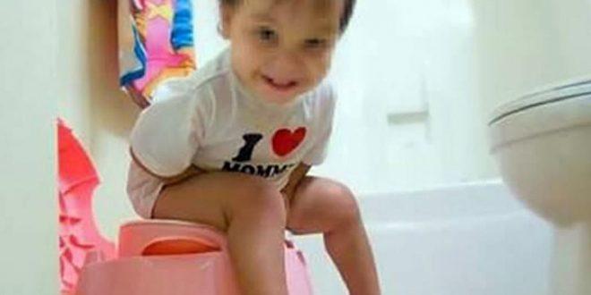 Demandó a sus padres por publicar fotos de su infancia en Facebook