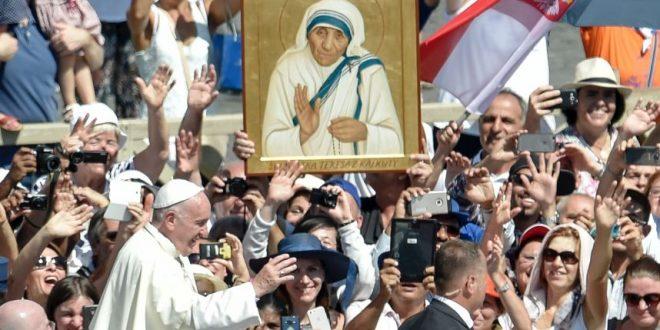 El Papa Francisco proclamó santa a Teresa de Calcuta