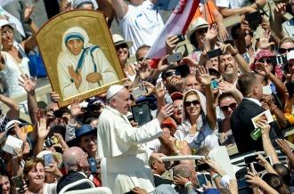 El Papa proclamó Santa a la madre Teresa de Calcuta