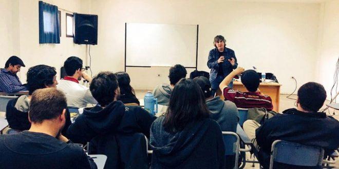 Escrache a Boudou en la Universidad Nacional de La Plata: Le pidieron que devuelva la plata