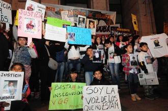 Familiares de víctimas de la inseguridad marcharon en Santa Fe