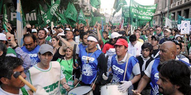 Día de Paro: Carpas en Plaza de Mayo y se movilización de los empleados estatales