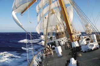 La fragata Libertad llegó a Grecia