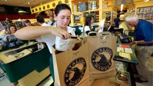 Los supermercados porteños no podrán entregar bolsas plásticas desde Enero de 2017