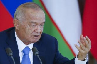 Miles de uzbekos salieron a la calle a despedir al cortejo fúnebre del presidente