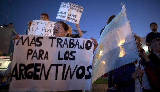 Oficial : El 32% de los argentinos son POBRES