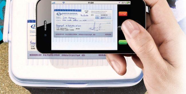 Cómo depositar cheques en el banco desde el celular