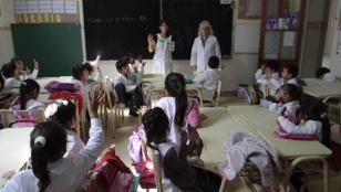Autorizan uso de celulares en escuelas de la provincia de Buenos Aires