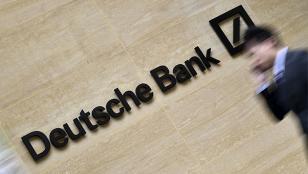 Deutsche Bank cae 9%