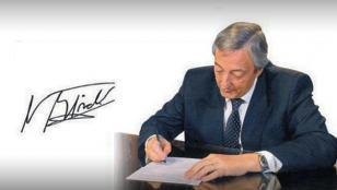 La firma de Néstor Kirchner habría sifo falsificada en las actas de Hotesur