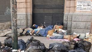 Pese a que hay más planes sociales la pobreza sigue subiendo