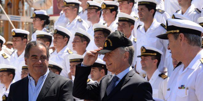 El presidente Mauricio Macri recibió a la Fragata Libertad