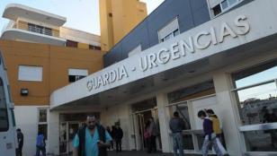 No la atendían y dio a luz en el piso de la guardia del hospital Santojanni