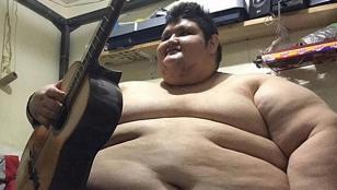 Tras seis años en cama, se dispone a bajar sus 500 kilos