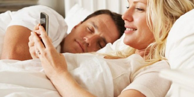 ¿Crees que tu pareja te es infiel? Con este truco de Whatsapp lo podés saber