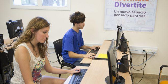 El gobireno ofrece cursos para que jóvenes encuentren su primer empleo