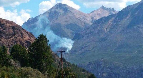Alerta por incendio forestal en el Cerro Catedral