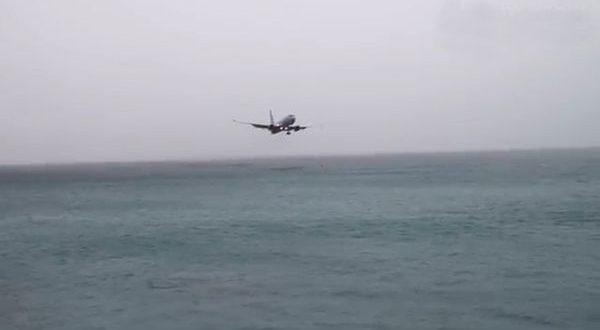Video: Avion casi se estrella en una playa en Saint Maarten