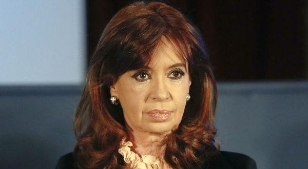 "Cristina Kirchner a juicio oral como imputada por la causa ""Dólar Futuro"""