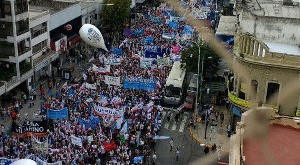 Marcha de docentes a la Plaza de Mayo