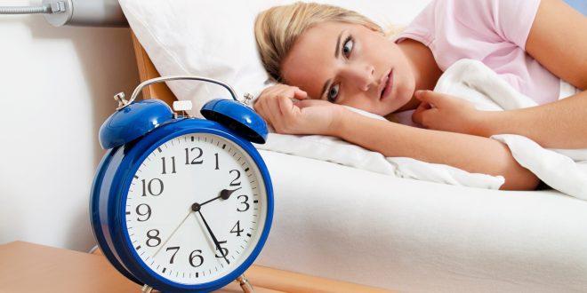 Tener insomnio aumenta el riesgo de sufrir un paro cardíaco o un ACV