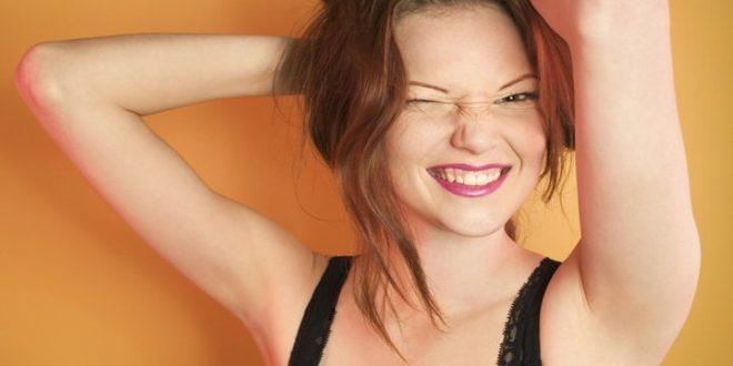 ¿Qué dicen las mujeres cuando se acarician el pelo?