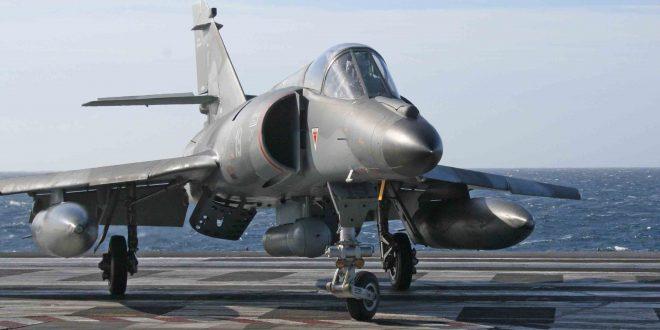 Argentina la comprará seis aviones cazabombarderos a Francia