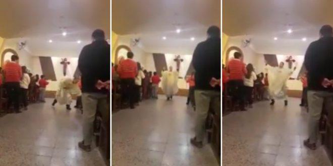 """Video: En plena misa, cura canta y baila """"Despacito"""""""