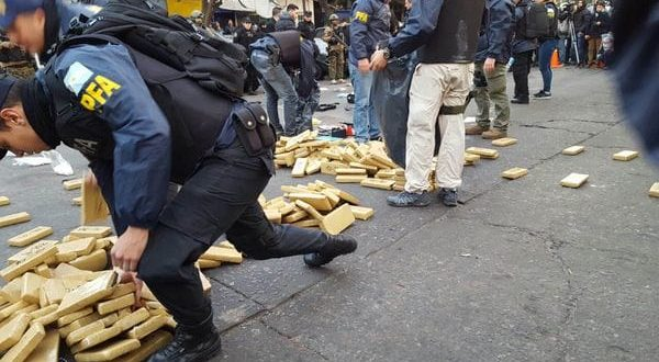 90 allanamientos con 2000 gendarmes en la villa 1-11-14