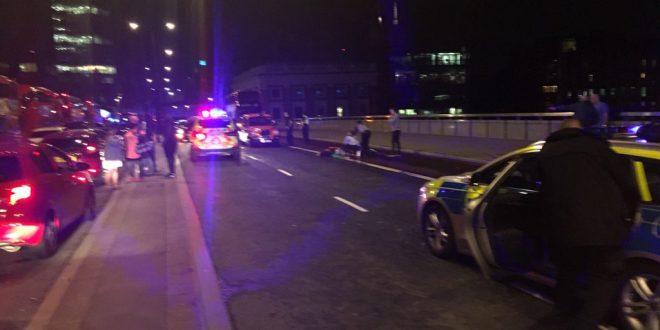 Atentado en Londres ? : una camioneta atropelló al menos a 20 personas