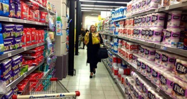 Carrió convocó a no comprar a los supermercados por el aumento de precios
