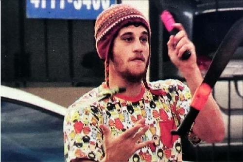 El hijo de Julián Weich es hippie, se fue de la casa familiar a los 19 años decidido a vivir sin ataduras. Esta es su historia