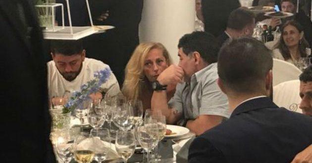 Video: Maradona totalmente borracho cenó con Cristiana Sinagra