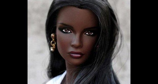 """La """"Barbie humana"""" que enamora al mundo"""