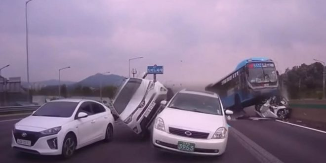 Video: Parece una pelicula pero es un tremendo accidente real