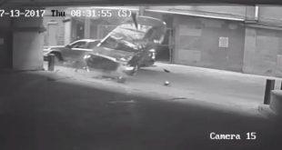 Video impresionante : Cayó con su auto desde un 7º piso