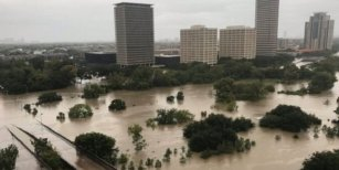 Huracán Harvey: Houston, la ciudad más grande de Texas, bajo el agua