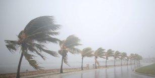 El huracán Irma tocó tierra en Cuba con máxima intensidad y se dirige hacia Miami