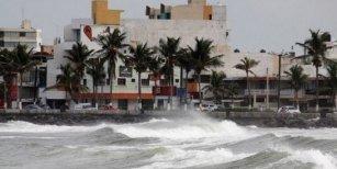 El huracán Katia tocó tierra en México y se debilitó a tormenta tropical