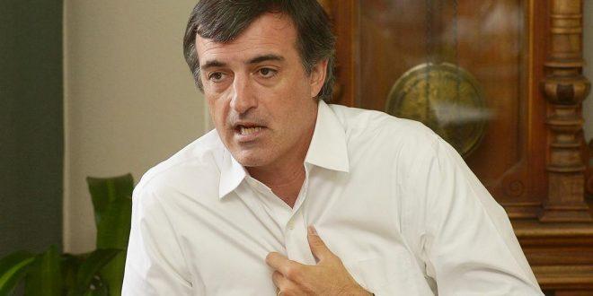 Para Esteban Bullrich, está muy bien que escuelas traten caso Santoago Maldonado