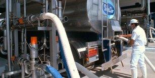 Empresa láctea bloqueada hace cuatro días por Camioneros